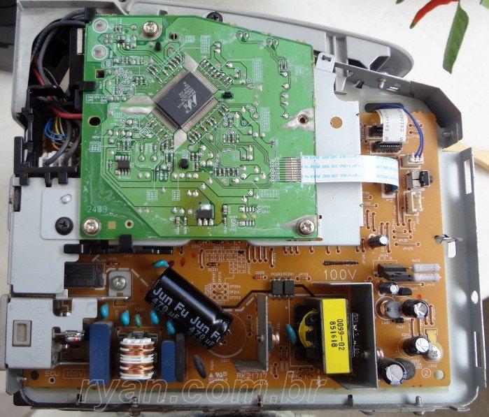 HP_P1005_inside_TrocaCapacitor_DSC02685_700_ryan.com.br