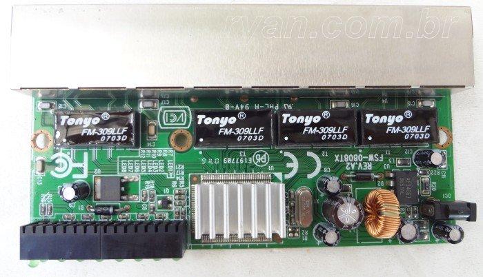Switch_LevelOne_FSW-0808TX_HWver3.0_DSC02716_700_ryan.com.br