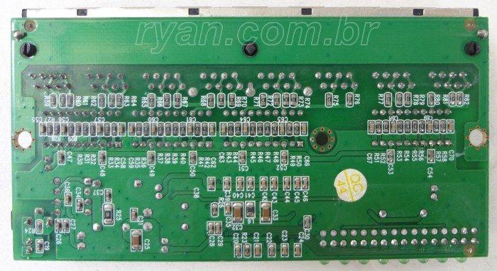 Switch_LevelOne_FSW-0808TX_HWver3.0_DSC02717_700_ryan.com.br